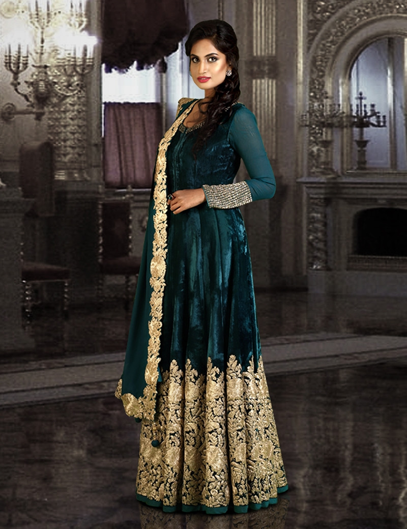Gorgeous Rama Green Velvet Gown & Chiffon Dupatta
