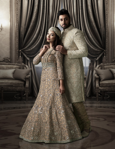 Golden Bride & Groom Ensemble
