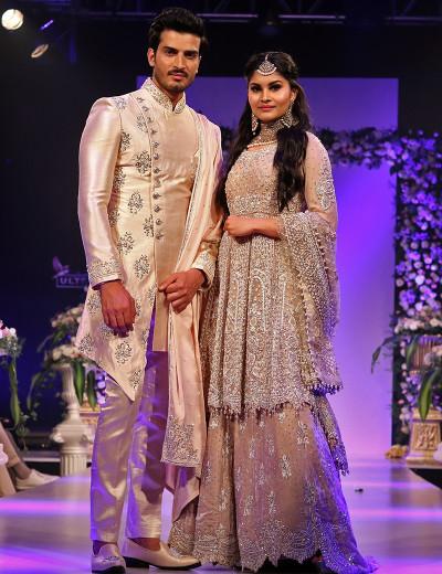 Modish Cut Couple Opulence